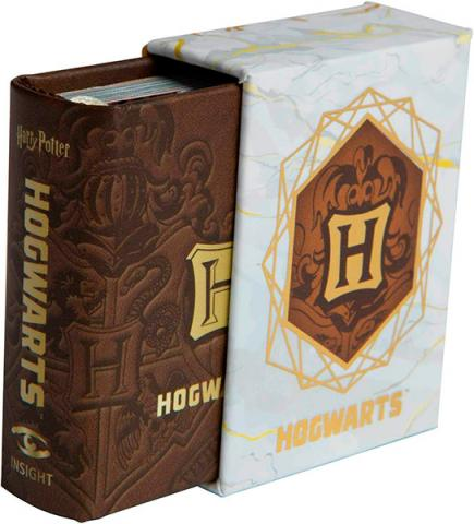Hogwarts School of Witchcraft and Wizardry (Tiny Book)
